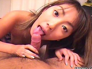 oriental chick gives hawt oral pleasure