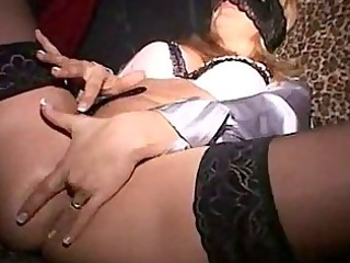 Italian amateur in a swinger club scopata in un