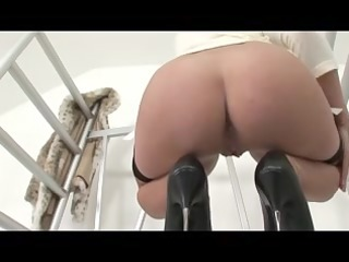 lady sonia talks to u and teases her pink wet