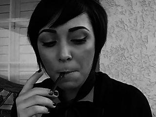 pixie smokin