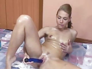 russian lina overspread in oil and fucking her