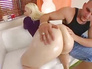 teddi hollands large arse shakes as she is bonks