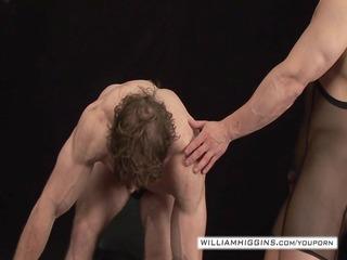 bodybuilders anal sex9