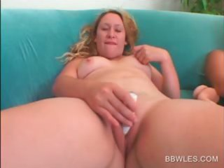 hawt big beautiful woman lesbian babes vibing