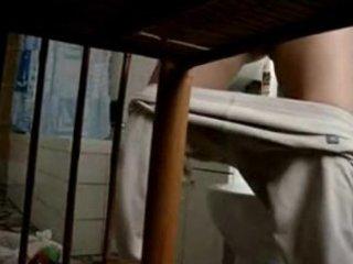 mia mommy spiata in bagno