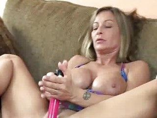 breasty mother i leeanna fucking her cookie with