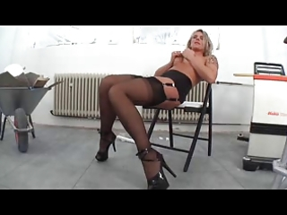 wench shows cum-hole 08
