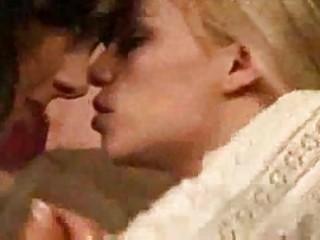 lesbo seduction 71