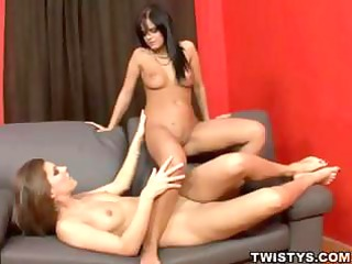 lesbo paramours have trio hawt lezzie sex with a