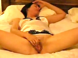 gorgeous wife can rubbing her clitoris