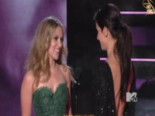 scarlett johansson and sandra bullock on mtv