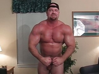rock hard homosexual body builder shows off his