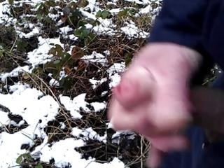 cumming in the snow