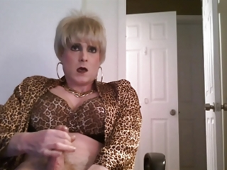 short golden-haired hair crossdresser