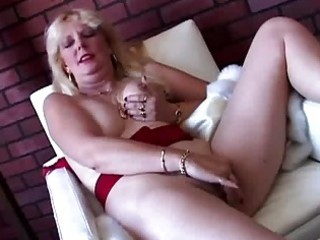 pretty blond mother i