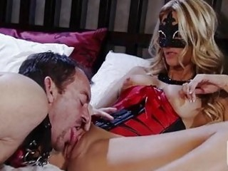 lusty floozy jessica drake widens her wet cracks