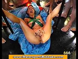 Piss drinking slut takes a golden shower