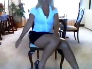 floozy mother i mama disrobes on livecam
