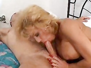 immodest d like to fuck sammie sparks squeezes a