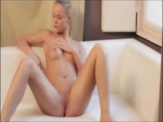 red hot sex-toy in her enchanting wet crack