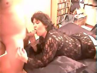 aged wife sucks schlong