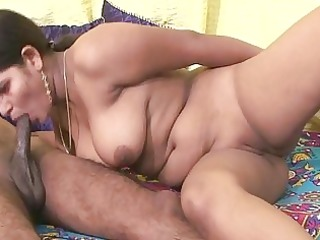 Amateur indian bitch sucking little penis