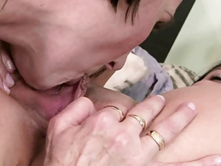 daughter can not her mothers hirsute cum-hole
