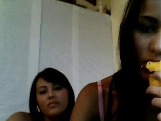 2 latin teenies show their a-hole