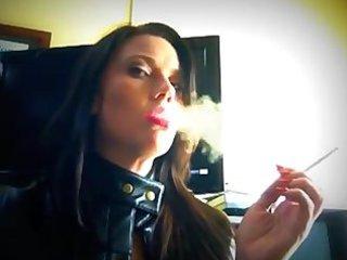 smokin leather lips