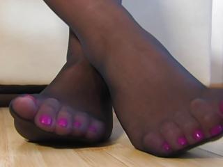 nylon feets 5